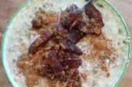 bulghurontbijt met dadels en kaneel